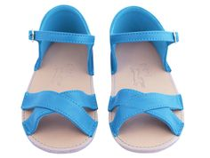 blue sandal shoes for little girls by Pieni Baby Sandals, Shoes Sandals, Little Girl Fashion, Kids Fashion, Little Girl Shoes, Star Shoes, Blue Shoes, Baby Knitting, New Baby Products