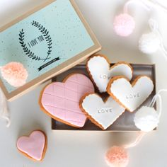 etsy.com/nl/shop/lepetitbiscuitshop. Valentine cookies