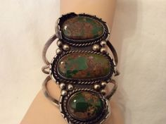 VERY VERY OLD NAVAJO BRACELET WITH GORGEOUS GREEN TURQUOISE STONE VERY VINTAGE
