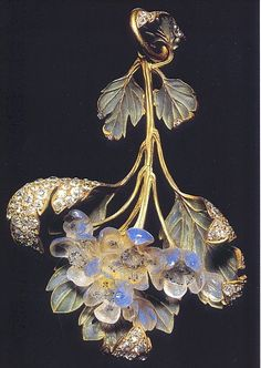 The Splendors of LALIQUE Art, Jewelry. Brooches and Buckles (hva)