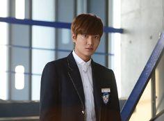 Lee Min Ho as Kim Tan