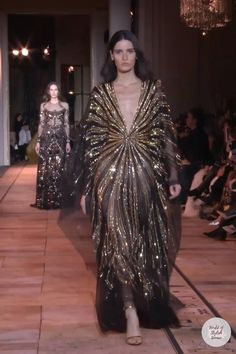 Black Maxi Evening Dress, Evening Dresses, High Fashion Outfits, Fashion Dresses, Dressy Dresses, Nice Dresses, Evening Gowns Couture, Kaftan Designs, Fancy Wedding Dresses