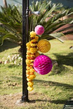 #Kremmerhuset #sommer #summer #tropical #tropisk #pompom #pomponger #palmer #sol #farger #miljøbilde #sunshine #pink #rosa #gult #yellow #fargepalett #grønt #grønn #stilleben #interiør #husoghjem #hjemme #hjemmet #home #interior #utendørs #outdoors #hawaii #mumbai
