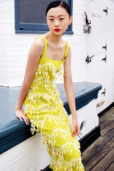Lela Rose Spring 2019 Ready-to-Wear Fashion Show Collection: See the complete Lela Rose Spring 2019 Ready-to-Wear collection. Look 15 Lela Rose, Yellow Dress Summer, Summer Dresses, Maxi Dresses, Evening Dresses, New Yorker Mode, Yellow Fashion, Dress For Success, Fashion Show Collection