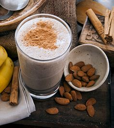 For a great way to start your day this summer, why not whip up a cool, healthy and delicious chai smoothie? Celebrity chef Pete Evans provides his own recipe for you - full of spice, banana and coconut, it's sure to become a favourite. Sugar Free Recipes, Paleo Recipes, Whole Food Recipes, Cooking Recipes, Chef Recipes, Yummy Recipes, Chai Smoothie Recipes, Smoothie Diet, Smoothies