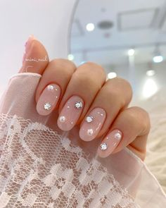 Image may contain: one or more people and closeup Acrylic Nails Coffin Short, Almond Acrylic Nails, Cute Acrylic Nails, Korean Nail Art, Korean Nails, Nail Manicure, Gel Nails, Nail Art Designs Videos, Nail Jewels