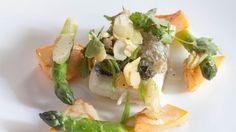 Bar  de Pierre Gagnaire, un plat coloré, sain et délicieux.