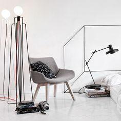 Vloerlamp Model1 zw- GrupaProducts https://www.livingdesign.be/nl/merken/grupaproducts