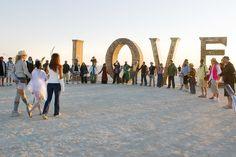 LOVE this LOVE www.happilywedding.com