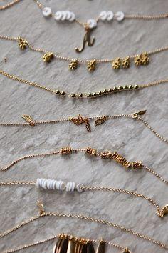 DIY: delicate gold bracelets