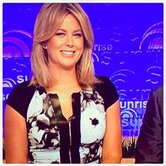 Did anyone else spot the very stunning @sam_armytage from Channel 7 Australia @Sunrise on7 wearing the LB white rose panel zip dress?? Such a gorgeous ambassador!!! Happy days xx
