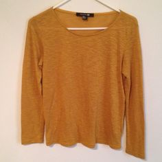 Gold glitter sweater by Forever 21 Excellent condition no stains or tears Forever 21 Tops Sweatshirts & Hoodies