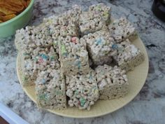 Lucky Charms Treats - even better than Rice Krispie Treats and perfect for St. Patrick's Day dessert! Hm I will make these for my lesson!