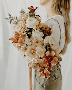 Ideas modern bridal bouquet floral for 2019 April Wedding, Wedding Weekend, Hipster Wedding, Boho Wedding, Wedding Coral, Wedding Bells, Spring Wedding Flowers, Wedding Tulips, Ribbon Bouquet