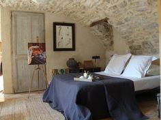 Chambre mur pierre voûte Gîte La Grange des Salelles à SAINT-MAURICE-D'IBIE: location Gîte Gîtes de France Ardèche