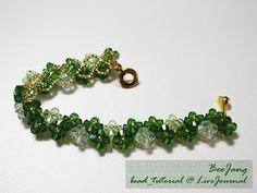 how to weave beaded bracelet, beaded bracelet light master class weaving beads Beaded Bracelets Tutorial, Beaded Bracelet Patterns, Seed Bead Bracelets, Jewelry Patterns, Crystal Bracelets, Beading Patterns, Crystal Beads, Beaded Jewelry, Seed Beads