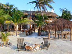 Hotel la Palapa, se encuentra muy cerca del centro y goza de una hermosa vista a la playa.