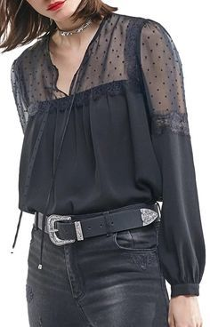 Specifications: Gender:Women Pattern Type:Patchwork Sleeve Length:Full Style:Casual Decoration:Lace Collar:V-Neck Fabric Type:Chiffon Clothing Length:Regular Sleeve Style:Regular Material:Polyester Si