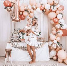 First Birthday Balloons, 1st Birthday Party For Girls, 1st Birthday Girl Decorations, Elegant Birthday Party, Baby Birthday Themes, First Birthday Outfit Girl, Birthday Goals, Special Birthday, 16th Birthday