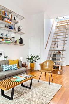 Explore these white wall wonders in the charming Clinton Hill, situated in the heart of Brooklyn. Dream House Interior, Home Interior Design, Interior Decorating, Black Brick Wall, Brooklyn Neighborhoods, Clinton Hill, Color Coordination, Living Spaces, Living Room