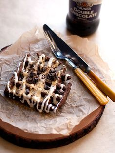 hungry girl por vida - chocolate stout waffles with marshmallows & grahams & chocolate Chocolate Stout, Chocolate Waffles, Banana Waffles, Pancakes And Waffles, Sugar Free Waffles, Waffle Maker Recipes, Hungry Girl Recipes, Homemade Caramel Sauce, Nutritious Snacks