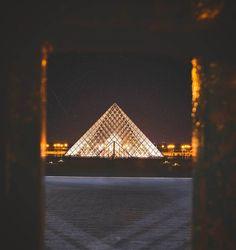 #paris#france#the louvre#museum#landmark#iconic#architecture#photography#street photography#urban landscape#lifestyle#culture#mood#aesthetics