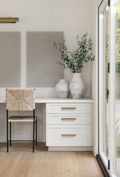Office Interior Design, Interior Exterior, Home Office Decor, Office Interiors, Interior Design Inspiration, Home Decor Inspiration, Workspace Design, Modern Interiors, Interior Modern