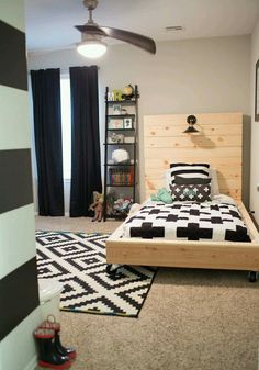 Get inspired to create a trendy bedroom for little boys with these decorations and furnishings. Check more at circu.net