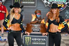 Monster Energy girls pose in Victory Lane after the Monster Energy NASCAR Cup Series O'Reilly Auto Parts 500 at Texas Motor Speedway on April 2017 in Fort Worth, Texas. Get premium, high resolution news photos at Getty Images Filles Monster Energy, Monster Energy Girls, Monster Energy Nascar, Monster Girl, Grid Girls, Cosplay Outfits, Sexy Outfits, Nascar Costume, Dream Cars
