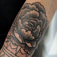 Sasha Tattooing - amazing linework