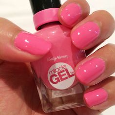 """Sally Hansen miracle gel Sally Hansen Miracle Gel Nail Polish WAVE"""" Miracle Nail Gel provides a plump salon gel-look without the salon price. Up to 7 days of intense color and shine. Spectacular gel-like shine and plumpness. Gel Nail Varnish, Gel Nails, Pink Nails, Gel Manicures, Polish Nails, Nail Polishes, Sally Hansen Nails, Gel Polish Colors, Manicure And Pedicure"""