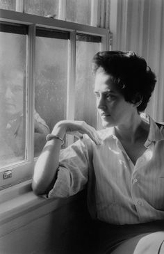 Henri Cartier-Bresson USA. NYC. 1960. Inge MORATH.