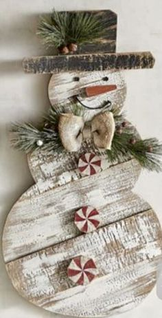 Christmas Crafts To Sell, Christmas Tree Decorations, Christmas Diy, Holiday Decor, Christmas Christmas, Christmas Donuts, Primitive Christmas, Rustic Christmas, Primitive Snowmen