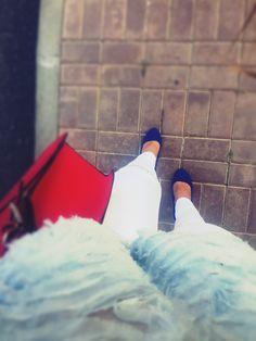 #style #streetfashion #zaraserenityblue #serenity #guesscherrybag #whiterippedjeans #bluehighheels