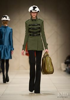 Photo feat. Cara Delevingne - Burberry Prorsum - Autumn/Winter 2011 Ready-to-Wear - Fashion Show | Brands | The FMD #lovefmd