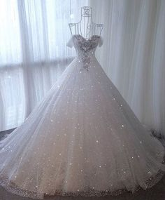 Repost from  Inspiration for dresses 👉🏻  Pretty Quinceanera Dresses, Pretty Prom Dresses, Cute Wedding Dress, Luxury Wedding Dress, Princess Wedding Dresses, Dream Wedding Dresses, Wedding Gowns, Blue Wedding, Ball Gown Dresses