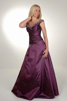 Dreamlike Capped Shoulder Prom Dress in Sparkling Sequin Highlight