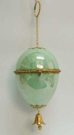 1860s Gillet & Brianchon Porcelain Green Luster Egg Box