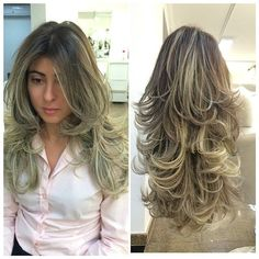 Cabelo longo em camadas This is how I want my hair layered! Long Layered Haircuts, Haircuts For Long Hair, Long Hair Cuts, Hair Dos, Gorgeous Hair, Pretty Hairstyles, Hair Hacks, Hair Trends, Hair Inspiration