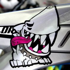 Shark dog.mtb bike tuning skin graphicer X GIANT  bike  designed by doldol.  #bike #bicycle #mtb #bmx #graffiti #extreme #character #design #tuning #skin #sticker #shark #dog #sharkdog #giant #로드자전거 #로드바이크 #로드 #mtb자전거 #자전거튜닝 #자전거스티커 #downhill #자전거스티커 #roadbike