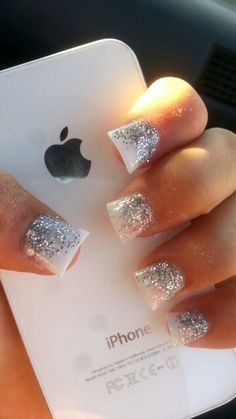 Simple white and silver glitter ombré acrylic nails i had for my prom Get Nails, Prom Nails, Love Nails, Pretty Nails, Wedding Nails, Simple Acrylic Nails, Square Acrylic Nails, Glitter Nails, Silver Glitter