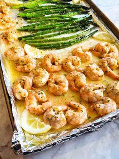 Sheet Pan Shrimp Scampi - Mom Life, Food and Travel Low Carb Shrimp Recipes, Creamy Pasta Recipes, Shrimp Recipes For Dinner, Healthy Pasta Recipes, Seafood Recipes, Seafood Dishes, Baked Asparagus, Shrimp And Asparagus, Gnocchi