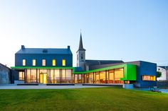 Ecole de Barvaux, Barvaux en Condroz (Belgium) Ecole de Barvaux, Barvaux en Condroz (Belgien)  #luminaire #light #Beleuchtung #leuchte