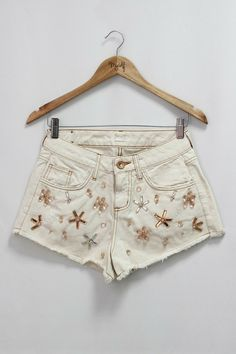 Short Jeans Bordado R$ 169,90