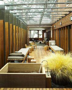 19 baignoires japonaises qui apportent le confort ultime – idees decoration – Best Japanese Soaking Tubs That Bring the Ultimate Comfort Interior Architecture, Interior And Exterior, Interior Design, Asian Interior, Interior Garden, Veranda Design, Patio Design, Courtyard Design, Zen Design