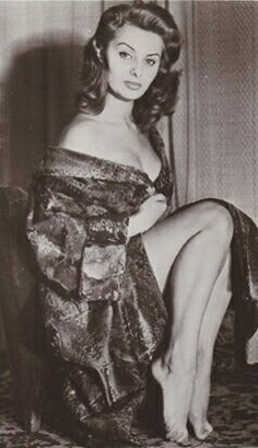 Sophia Loren Beautiful right down to the tips of her beautiful toes....