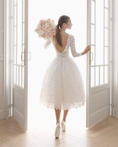 Aire Barcelona - Daniela Sposa a Mirano - collezione sposa 2020 Civil Wedding Dresses, Ceremony Dresses, Lace Wedding Dress, Tea Length Wedding Dress, Perfect Wedding Dress, Bridal Dresses, Wedding Gowns, Flower Girl Dresses, Prom Dresses