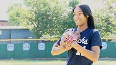 Little League World Series pioneer Mo'ne Davis shifts her drive to basketball court