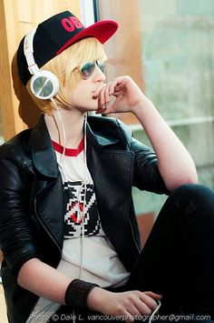 Headcanon Dave Strider Homestuck cosplay (Their Tumblr is dumbledora-theexplorer)