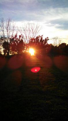Esta hermosa foto refleja el movimiento del sol cuando esta a unos momentos de desaparecer